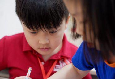 Trẻ con không nhất thiết phải viết đẹp