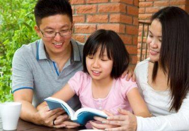 """3 độ tuổi """"NỔI LOẠN"""" của trẻ, cha mẹ cần lưu ý để giáo dục con tốt"""