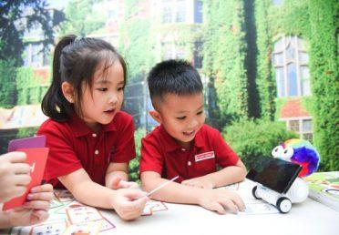 Các bạn nhỏ STEAMe học lập trình Robot trong thời đại 4.0
