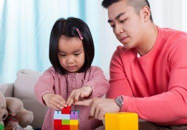 Cha mẹ nên dạy gì khi bé bắt đầu lên 2 tuổi ?