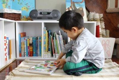 """10 tips to help children """"crazy"""" with reading books"""