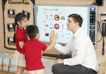 Cách dạy trẻ đọc Tiếng Anh: 10 bước đơn giản để cha mẹ thử ở nhà