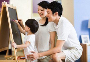 Những lỗi thường gặp của cha mẹ khi dạy tiếng Anh cho trẻ